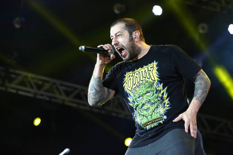 Badauí, vocalista do CPM 22, em show do João Rock 2019, em Ribeirão Preto (SP) (Denilson Santos - 15.jun.2019/Divulgação)