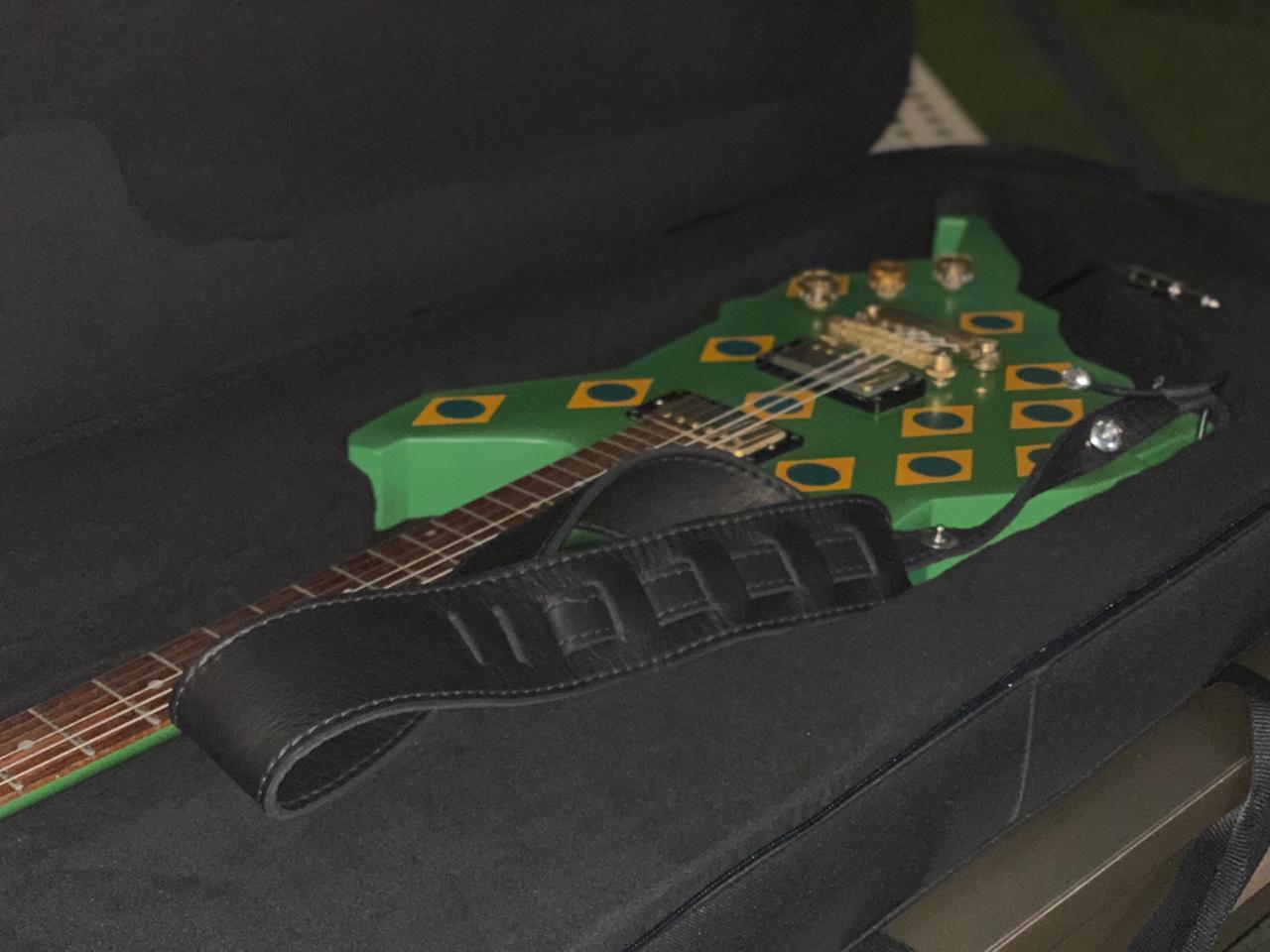 Guitarra usada pelo Scorpions em 1985 no Rock in Rio (Divulgação)