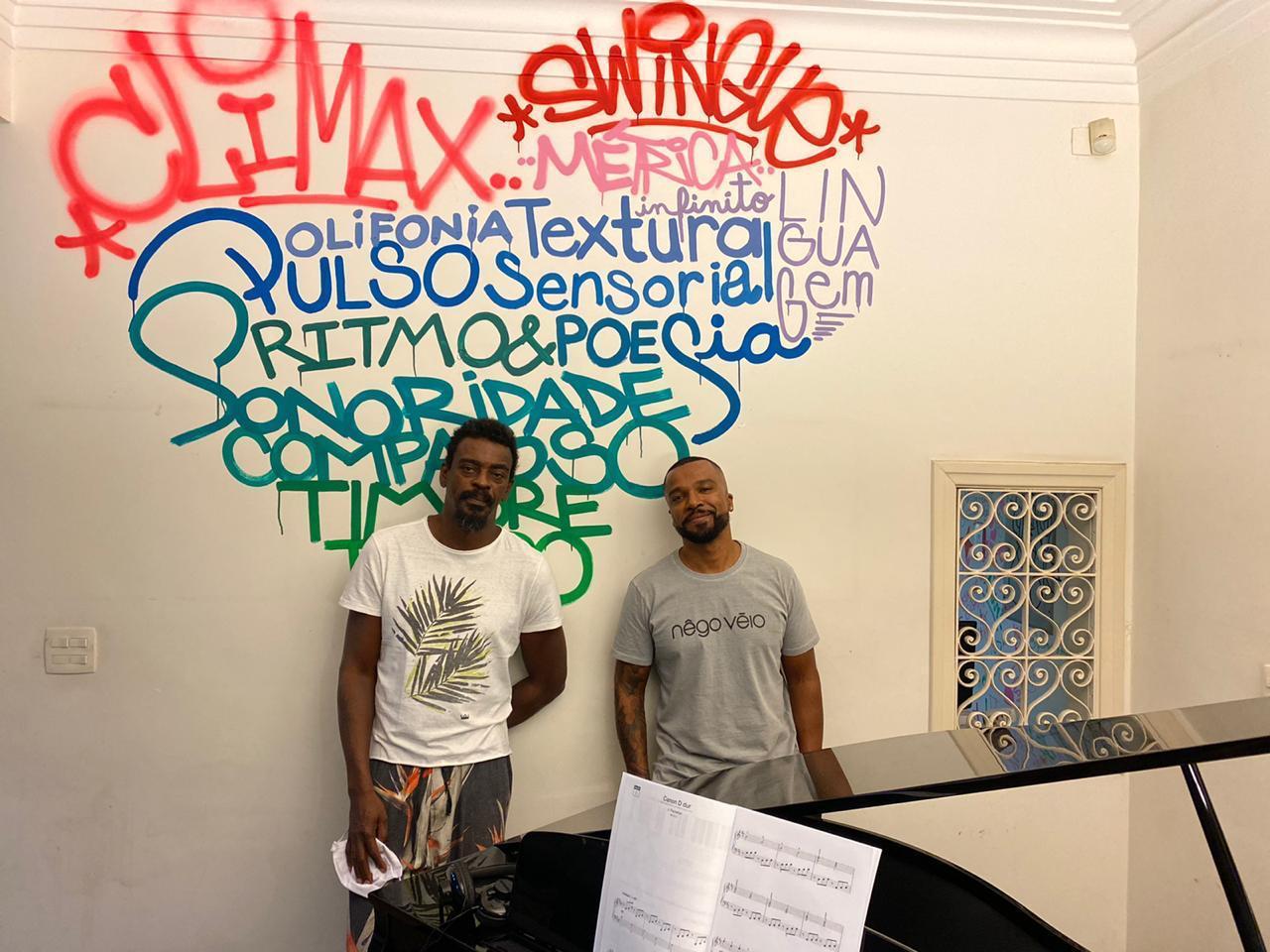 Seu Jorge (esq.) e Alexandre Pires (Divulgaçao)