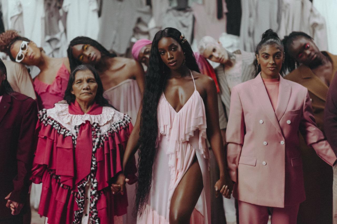 """Iza grava clipe de """"Let Me Be the One"""" com o rapper Maejor; música faz parte da campanha """"Be the One"""", uma parceria da fundação Humanity Lab com a ONU (Rodolfo Magalhães/Divulgação)"""